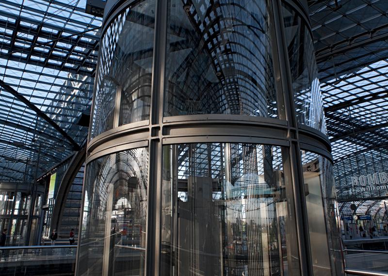 13-berlin-main-railway-station
