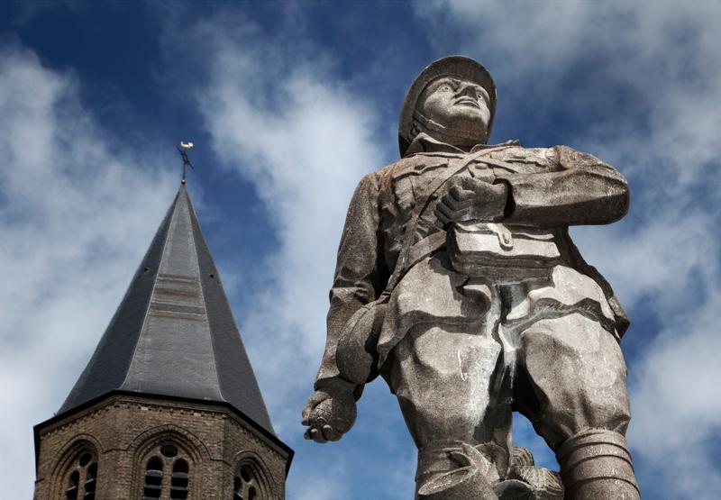 107-hollebeke-memorial-to-war-heroes