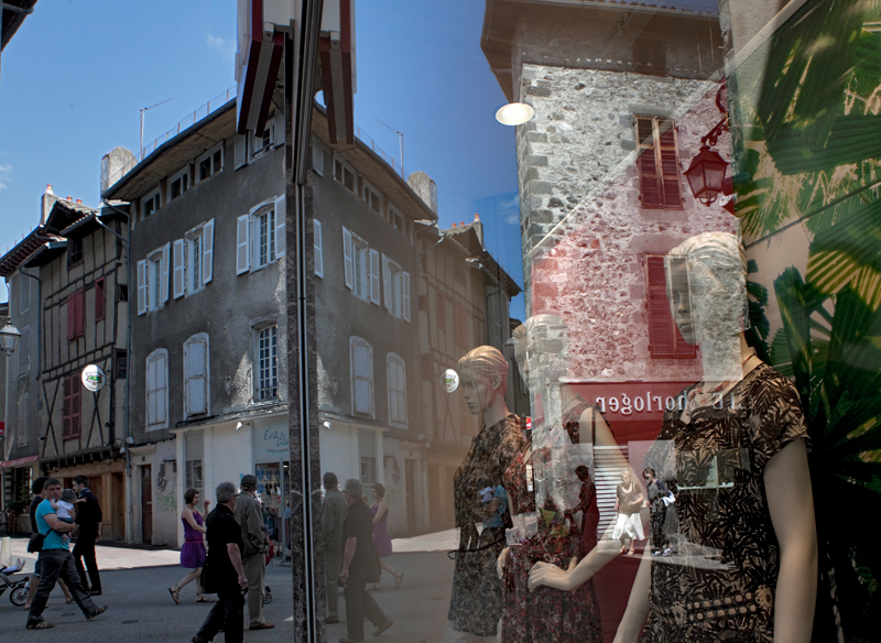 117-reflections-in-aurillac-france