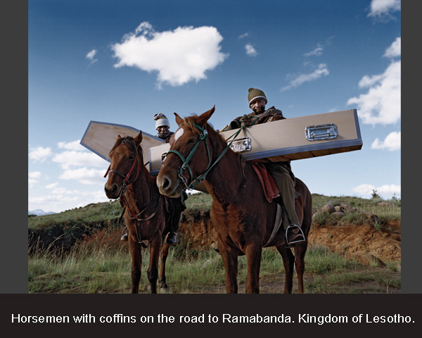 Horsemen with coffins on the road to Ramabanda. Kingdom of Lesotho - op maat